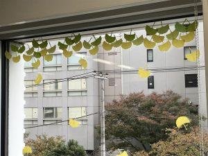 千葉市子ども交流館窓辺の装飾